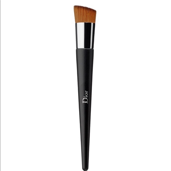 Dior makeup brush